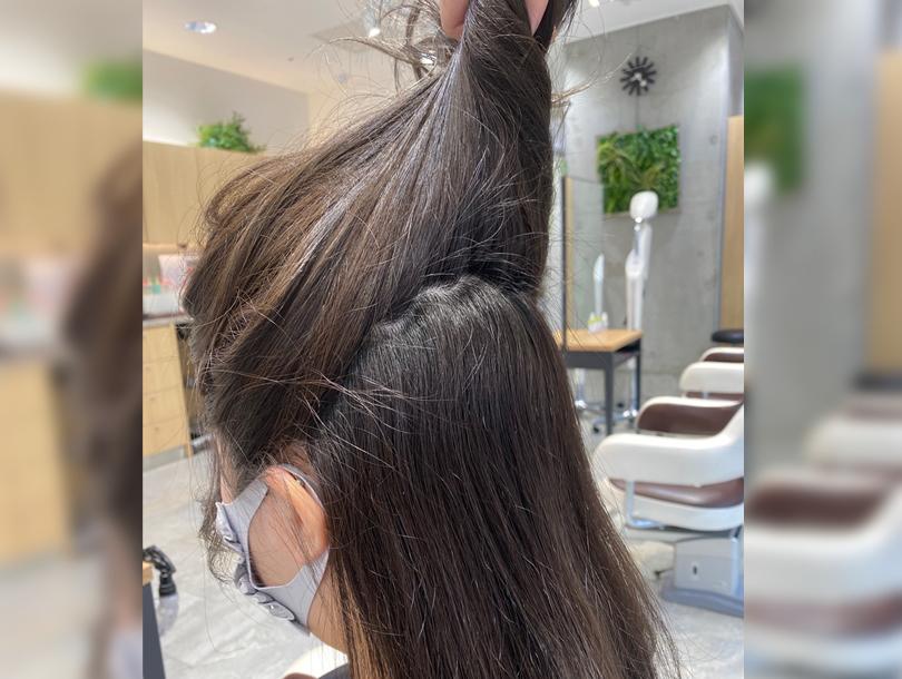 巻き髪ハーフアップアレンジ1