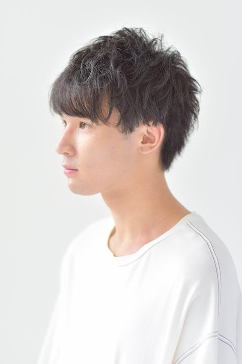 2021年秋トレンドメンズヘアスタイル紹介!! ソフトツイストスパイラル(パーマ)